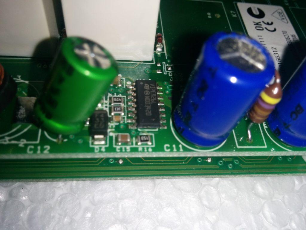 Контроллер питания Viper26L. Понижающий преобразователь на дросселе.