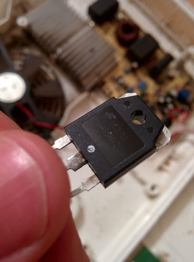 IGBT транзистор FGA15N120